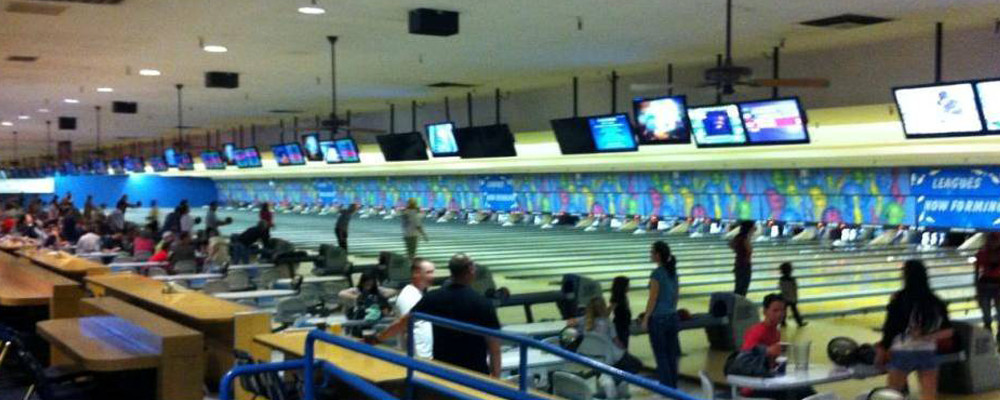 Parkway Bowl Fun For The Whole Family Bowling In San Diego